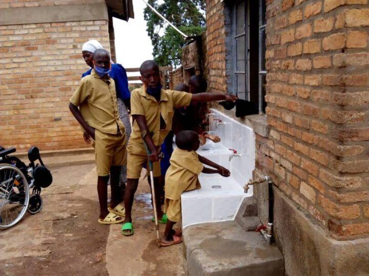 lavandino Mugombwa